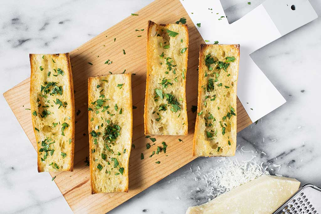 June_Garlic-Bread_scaled_quality30.jpg